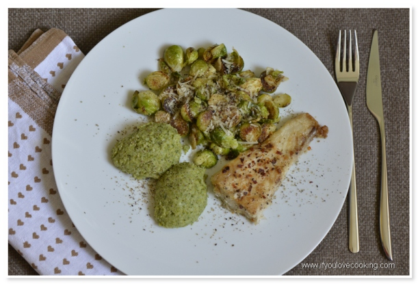 Peste cu piure de brocolii si varza de bruseless