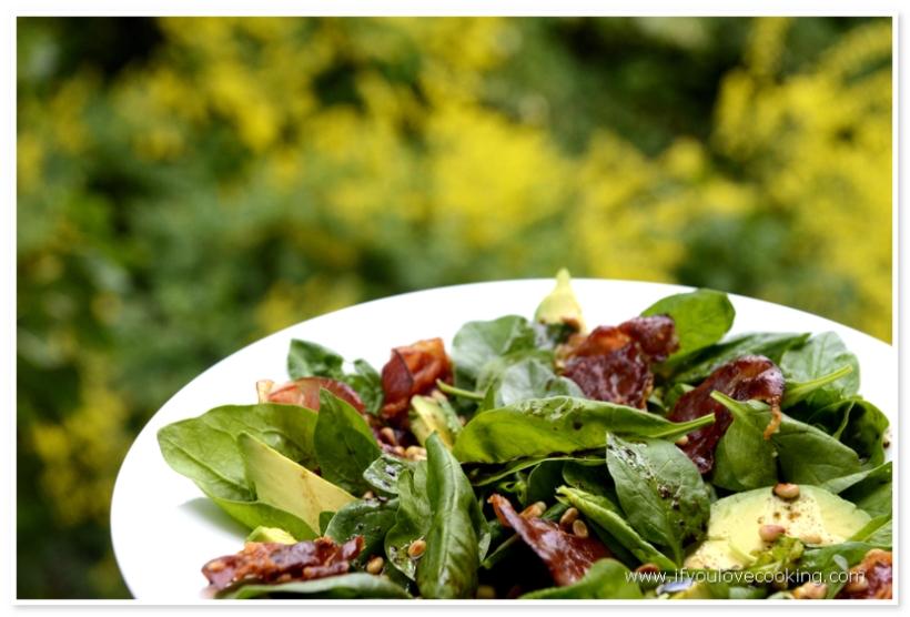 Salata de avocado, pancetta si spanac_2