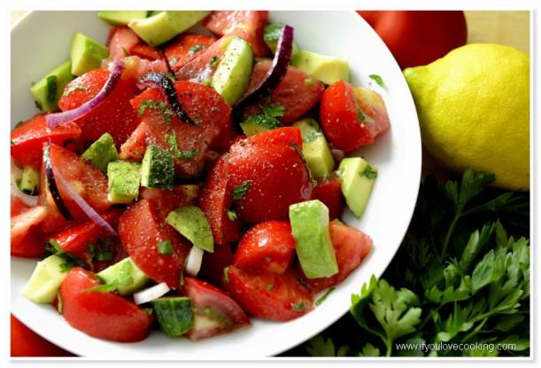 Salata de rosii cu avocado