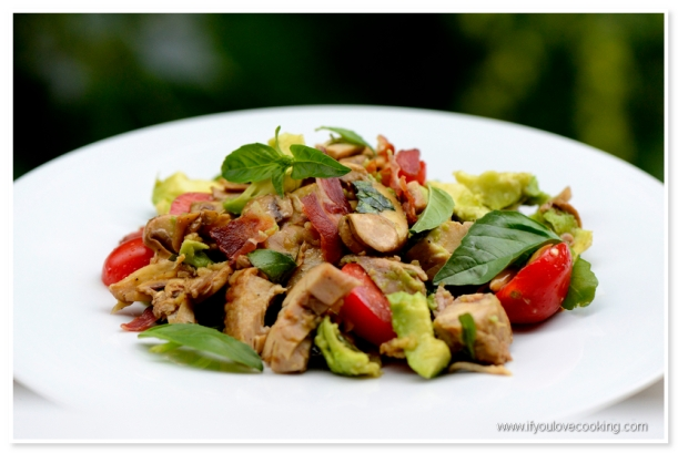 Salata de pui cu ciuperci marinate